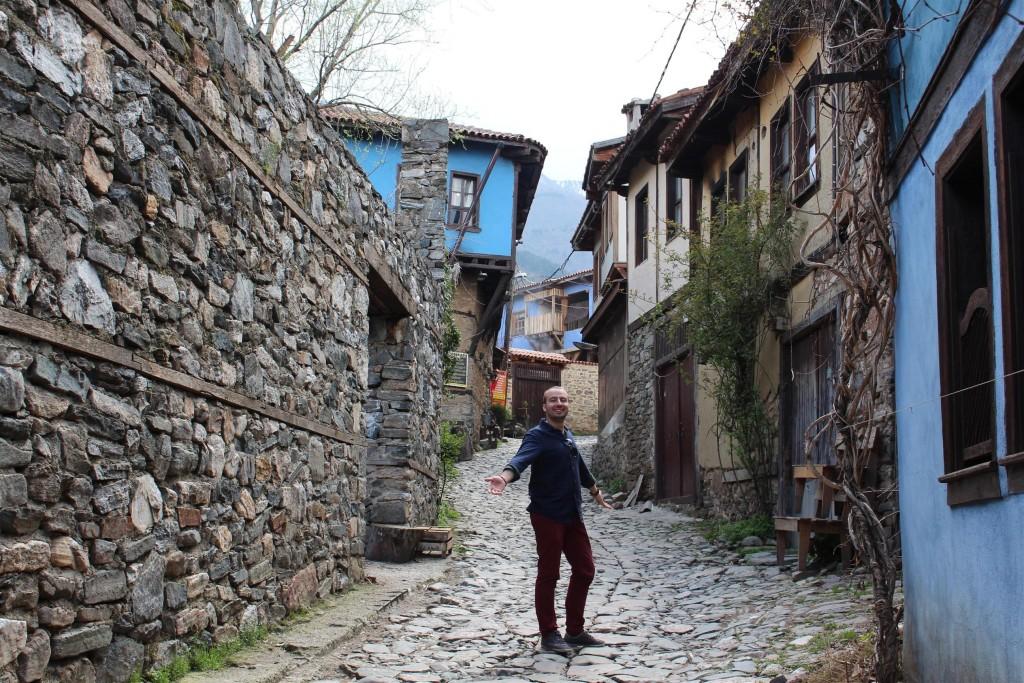 Cumalıkızık'ın Arnavut kaldırımlı sokakları.