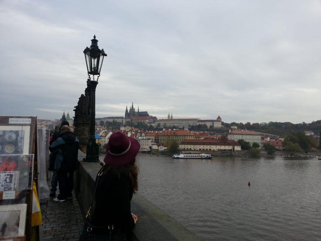 Prag Karluv Most Köpürüsü Manzarası