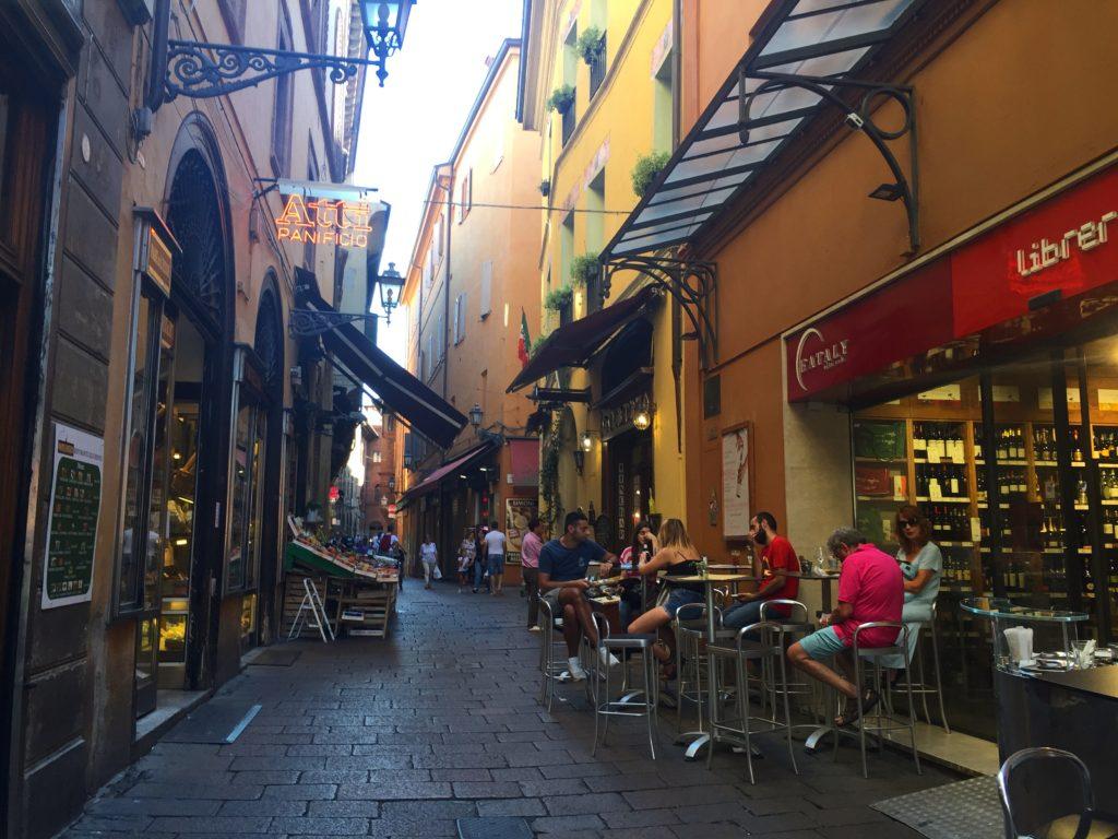 Via Drapperie, Bologna