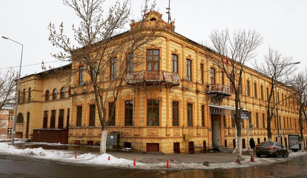 Kars Defterdarlik Binası (19.yy Rus Baltık Mimari)