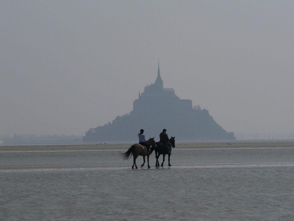Mont Saint Michel'de sular çekildikten sonra