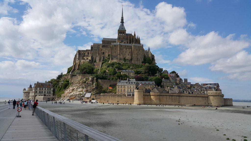 Köprü üzerinden Mont Saint Michel