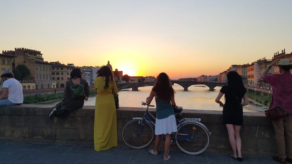 Arno nehrinde gün batımı